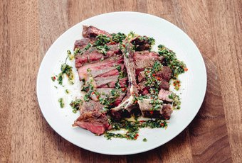 US T-Bone Steak mit Chimichurri