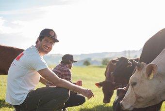 Das beste Schweizer Rindfleisch! Zu Besuch auf dem Waldhof bei Familie Kern und ihren RIndern